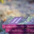 en stapel av tryckta böcker