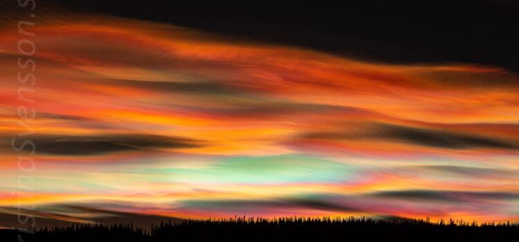 Januari 2021: Färgstarka pärlemormoln över Funäsfjällen