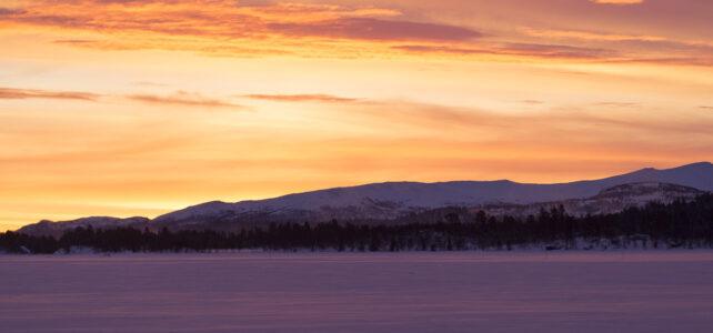 Månadens bild: Soluppgång över Tänndalssjön